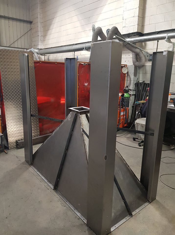 <h2>Hopper </h2><p>This hopper has been installed in a confectionary factory in the north of England after powder coating!</p>