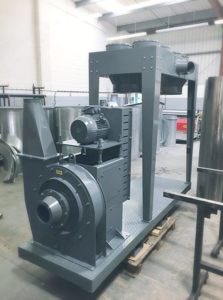 <h2>Bagging Unit </h2><p>Here's a Bagging Unit that we manufactured for one of our customers, looks great in grey!</p>